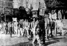 Passeata dos estudantes mineiros em solidariedade aos cariocas após o quebra-quebra dos bondes de 1956